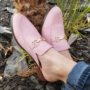 Shoes - 2/$40 Pink Slip on flat mule loafer w gold buckle
